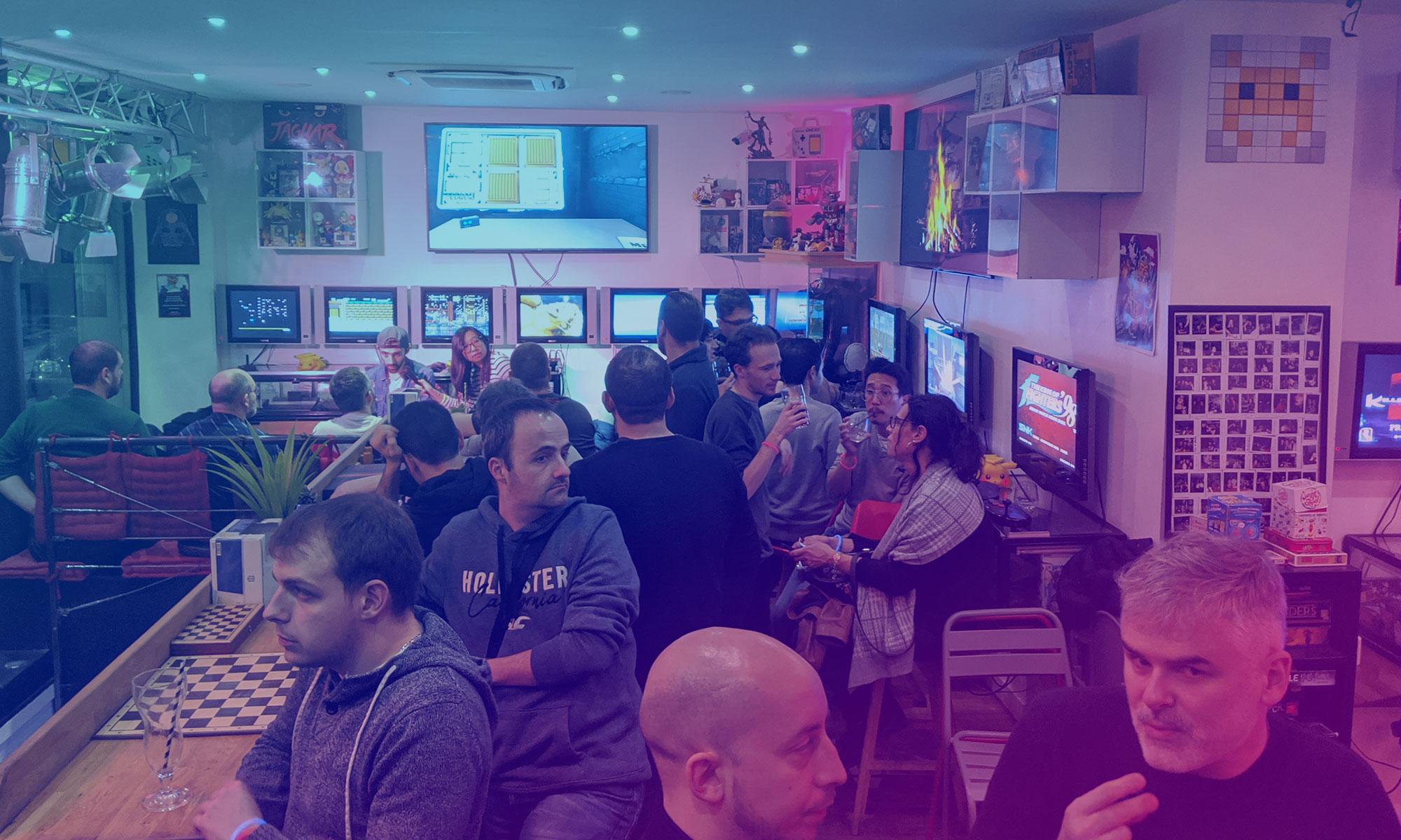 IRL Next Gaymer – Noël Geek au Reset Bar